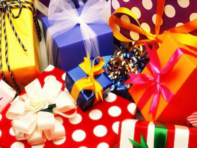 Вручение подарков. психология